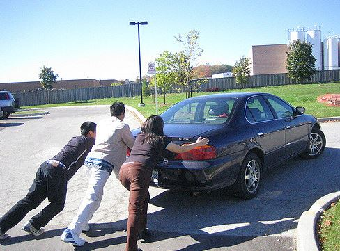 how to push a car safely if it breaks down green towing los angeles